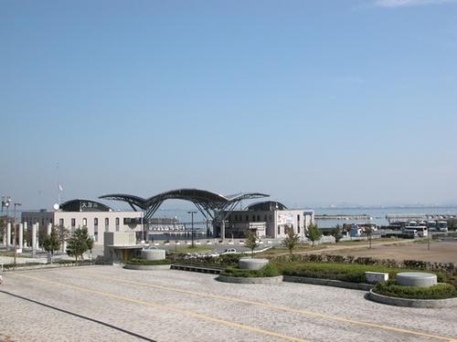 秋の大津港