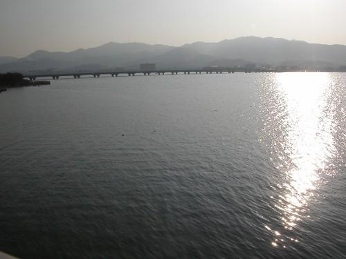 近江大橋をのぞむ