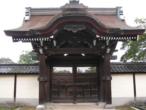 滋賀院の門