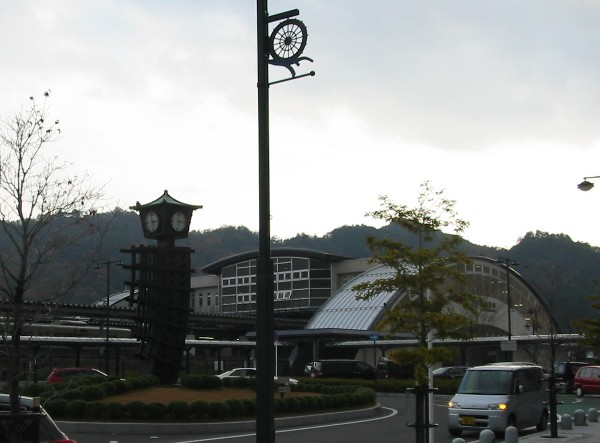 2006122noto1eki