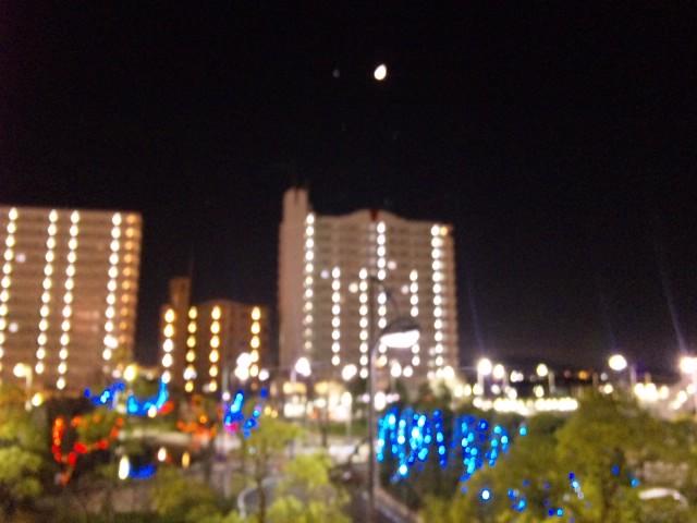夜の栗東駅前