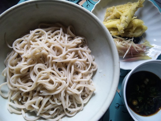 ニハ蕎麦とワカサギの天ぷら
