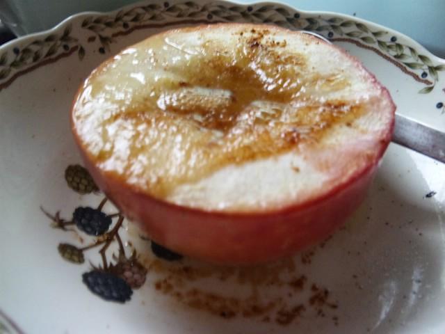今日のおやつ 焼きりんご