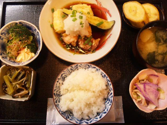 茄子と豆腐と鶏肉の揚げ出し定食