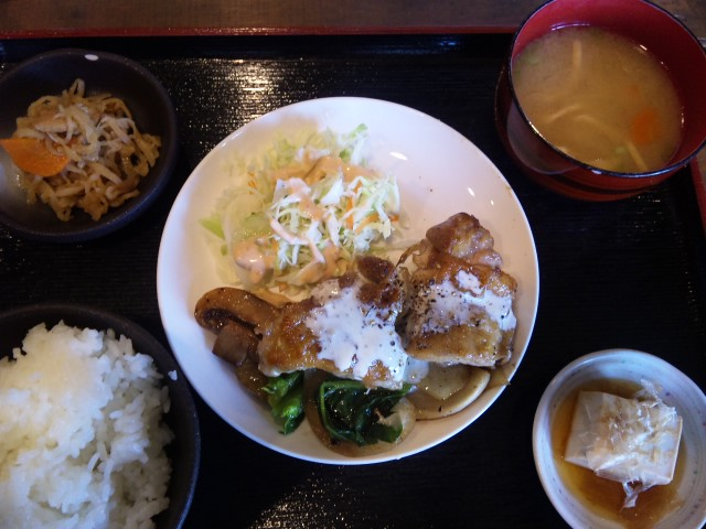 鷄の柚子コショウ焼き定食