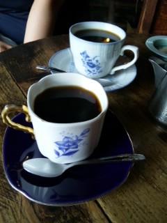 二番館でコーヒー