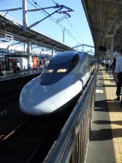 今日は新幹線始発
