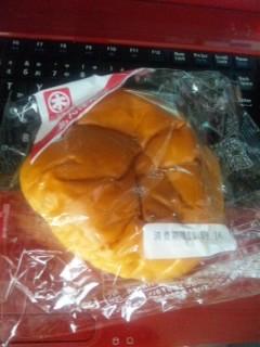 朝食は葬式のあんパン