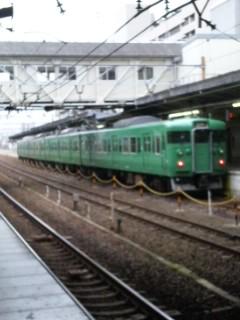 草津線の緑の車両