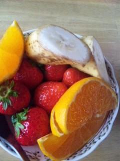 朝食はフルーツ盛り