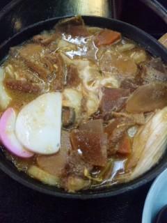 お昼は味噌鍋焼うどん