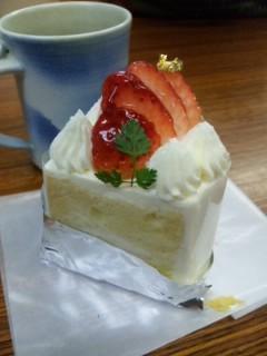 今日のおやつはたねやのケーキ