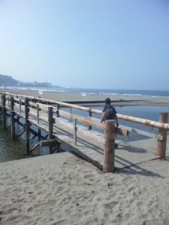 由比ヶ浜から材木座海岸へ
