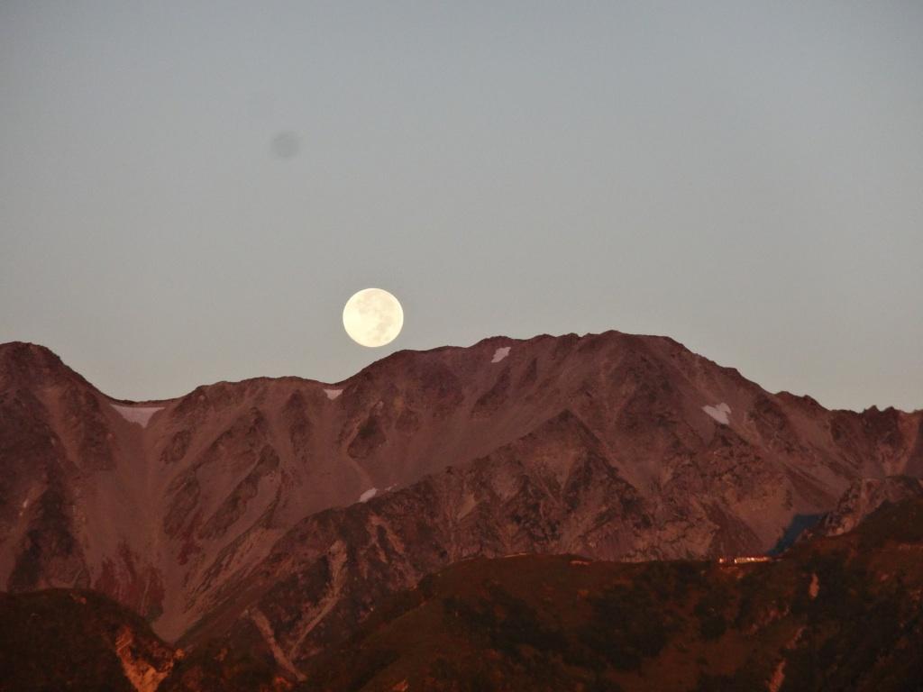 ものぐるおしい満月