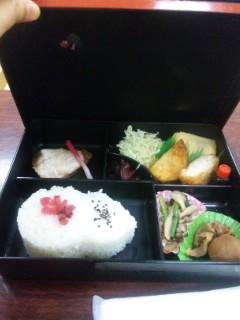お昼はお弁当頂きました