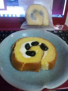 黒豆ロールケーキとモンブラン