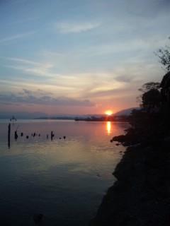 海津に沈む夕陽