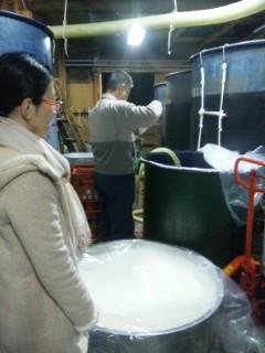今日は浜大津こだわり朝市、ザル濾し濁り酒運びます