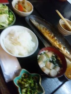 焼き秋刀魚定食の画像