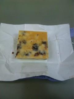 チロルチョコ レーズンサンド