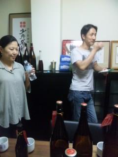 朝市のお酒選びで北島酒造へ