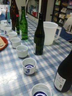 平井商店で朝市のお酒選び