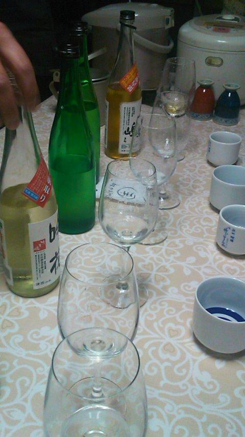 朝市のお酒選び 吉田酒造