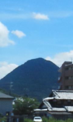 青い近江冨士