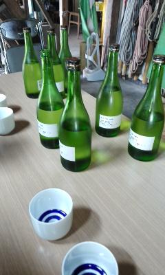 朝市のお酒選び 「薄桜」