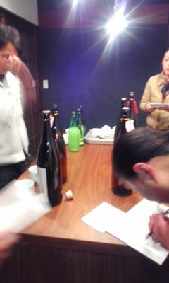北島酒造で朝市のお酒選び