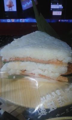 深夜の鱒の寿司