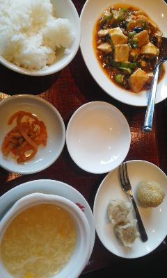 赤坂飯店でランチ