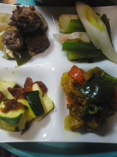 牛肉団子のチーズ煮、豚肉のカレー煮