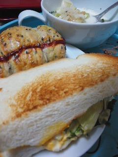 サンドイッチでランチ